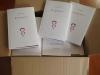 Caixa lliurada per la impremta Llar Digital amb cent exemplars de «Preguntes»